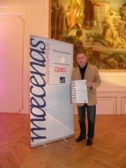 ALTES DEPOT-Inhaber Reinhard Kruspel mit der Anerkennung